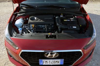 A-Hyundai-i30-Fastback-240118_003