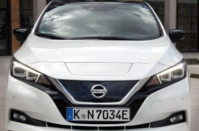 A-Nissan-Leaf-270418_001